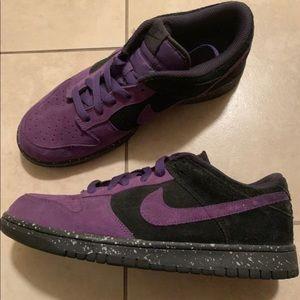 Low Top Purple/Black Nike SBs size 9